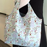 New pattern on on the blog. Reversible hobo tote #hobo…