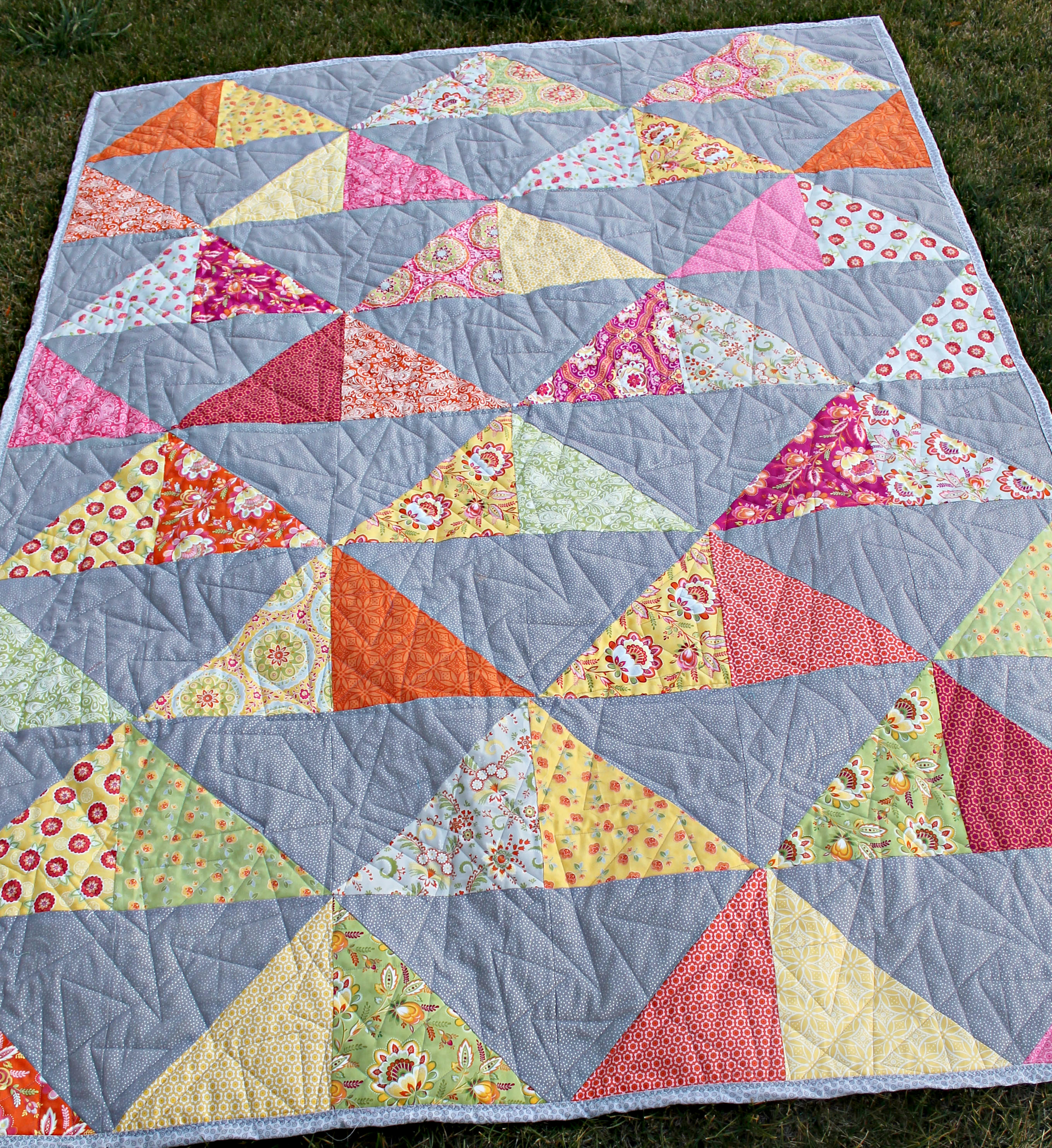 My First HST Quilt | The Stitching Scientist : hst quilt - Adamdwight.com