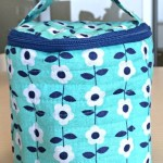 How to make a round quilted makeup bag with inside pockets-Free Pattern