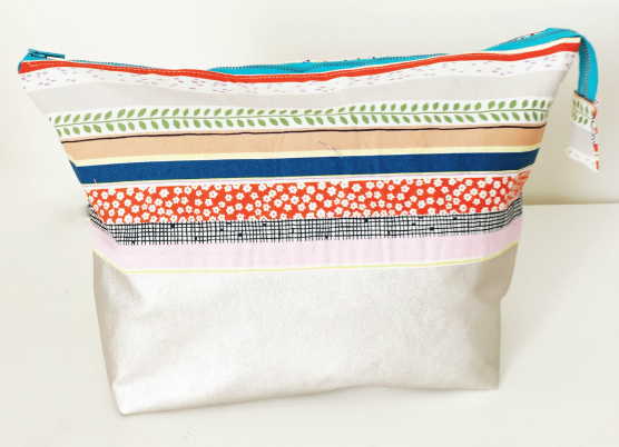 Open Wide Zippered Pouch DIY Tutorial